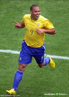 Ronaldo (Brazil) - One of Brazil's and Soccer's/Football's greatest players to ever play the game. Football Tournament, Football Drills, Fifa Football, National Football Teams, Basketball, Ronaldo 9, Cristiano Ronaldo, Sport Club Corinthians, International Soccer