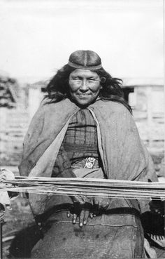 Chapitre 29 - Les Indiens Tehuelches Native American Women, American Indian Art, Native American Indians, American History, Famous Pictures, Old Pictures, Tattoo Indio, Southern Cone, Historical Pictures
