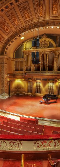 ~Attend an opening night performance at the iconic Carnegie Hall, NYC | House of Beccaria#