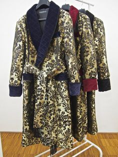5acdec7bb9 Men's paisley silk jacquard dressing gown. Vintage 19th and 20th century  inspired English robes. Gentleman's classic quilted housecoat and velvet  smoking ...