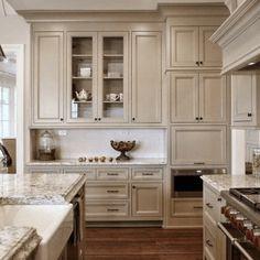 Taupe Kitchen Design Ideas 15 – Kök Ideer – diy kitchen decor on a budget Beige Kitchen Cabinets, Kitchen Cabinet Colors, Kitchen Redo, Home Decor Kitchen, New Kitchen, Home Kitchens, Kitchen Ideas, Wooden Cabinets, Small Kitchens