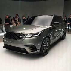 @landrover debuts their new #rangerover #velar     #sp