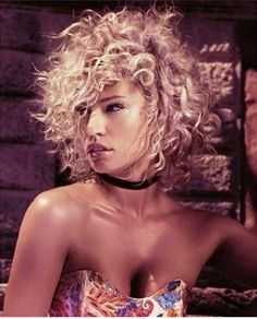 A medium blonde curly frizzy frizzed tight-curled hairstyle by Tigi - New Deko Sites Funky Short Hair, Short Thin Hair, Short Curls, Short Hair Cuts, Tight Curls, Popular Short Hairstyles, Funky Hairstyles, Blonde Hairstyles, Natural Hairstyles
