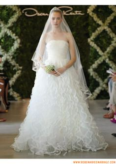 Robe de mariage bustier 2013 blanche princesse avec traîne organza