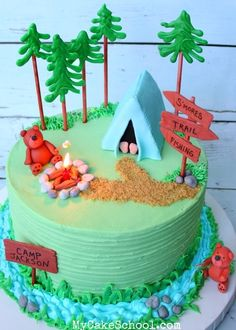 This amazing S'mores Cake Recipe is a heavenly combination of decadent chocolate cake layers, graham crackers, and a light,marshmallowy frosting. Camping Theme Cakes, Camping Birthday Cake, Birthday Cakes, Campfire Cake, Smores Cake, Fancy Cakes, Cute Cakes, Theme Animation, Nature Cake