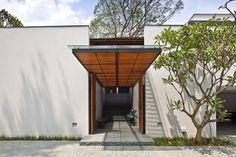 Jalan Kampun Chantek & Swiss Club Road House