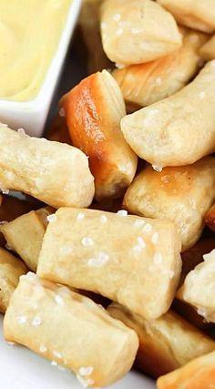 Pretzel Bites with Honey Mustard Dipping Sauce