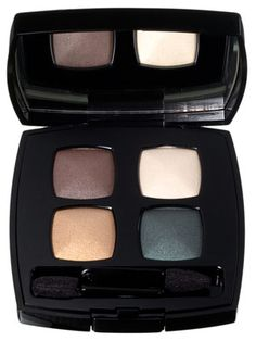 Chanel Les 4 Ombres in Reflet d'Ombre. I use this for evening looks.