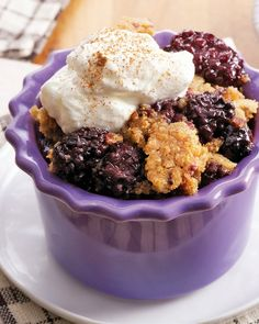 Let your slow cooker make this down-home dessert! Made with frozen blackberries, Betty Crocker cornbread and muffin mix, sugar, butter and cinnamon, our sweet cornbread blackberry cobbler is perfect with ice cream or a dollop of whipped cream.