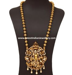 diamond ganesha pendant with nagas from vummidi 1 Indian Wedding Jewelry, Indian Jewelry, Bridal Jewelry, Engagement Jewellery, Gold Necklace Simple, Gold Jewelry Simple, Emerald Necklace, Gold Necklaces, Gold Temple Jewellery