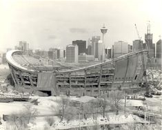 Calgary then and now – the Saddledome – Off The Beaten Path – with Chris & Connie Fairmont Palliser, Paris Skyline, New York Skyline, 1940s Photos, Old Pictures, Rocky Mountains, Calgary, Beautiful Pictures