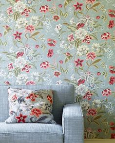Keeping it floral this weekend with Colefax and fowler's Celestine! Click the link in the bio for the best price per roll! #floral #flower #spring #summer #fresh #celestine #sunday #sundayfunday  #interior #interiors #interiores #interior123 #interiordesign #interiordesigner #wallpaper #wallpapersales #wallcovering #decoration #decor #instalike #instagood #instadaily #lfl #fff #follow4follow #inspiration #home #instadecor #designer #instaart