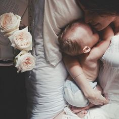 Mom And Baby Photography Discover First Time Moms Breastfeeding Checklist - DIY Darlin Mom And Baby, Baby Kids, Baby Boy, Mother And Baby, Dad Baby, Child Baby, Cute Kids, Cute Babies, Foto Baby