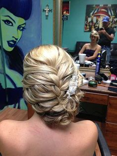 Chic Hair Updos for Long Hairstyle
