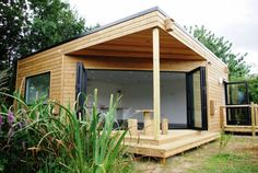 Berkshire Classroom!Insect boxes,bird boxes,recycled flooring,Airsource Heatpump building regs!