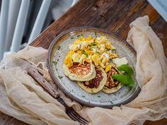 Smooth and cooking : TVAROHOVÉ PLACIČKY SE SÝREM A BYLINKOU Salty Foods, Quiche, Tacos, Pizza, Menu, Smooth, Cooking, Ethnic Recipes, Menu Board Design