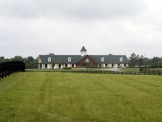 Lane's End Yearling Barns