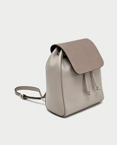 Zara Women Bags Collection 2017 Zara Introducing latest collection of women handbags collection in magnificent designs and colors. Backpack For Teens, Backpack Online, Backpack Bags, Leather Backpack, Leather Bag, Fashion Bags, Fashion Backpack, Designer Backpacks, Girl Backpacks