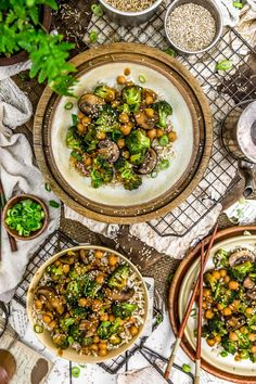 This saucy and delicious General Tso's Broccoli Mushroom Stir Fry is so easy to prepare and makes for a perfectly healthy, quick weeknight dinner. Lunch Recipes, Whole Food Recipes, Diet Recipes, Cooking Recipes, Healthy Recipes, Recipies, Summer Recipes, Dessert Recipes, Vegetarian Main Dishes