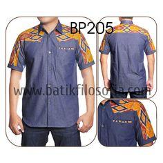 Batik Kombinasi Denim dengan Kode BP205, merupakan batik printing yang terbuat dari bahan katun yang dikombinasikan dengan bahan soft denim. Harga untuk kemeja batik kode 205 ini adalah Rp.225.000