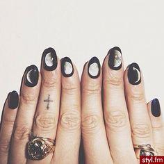 Modny manicure: biało-czarne paznokcie - Strona 20
