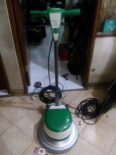 Jual beli sewa mesin poles marmer buffing lantai floor polisher Italy spesifikasi : Merek : Alphalux MX05 Power : 1000 W Diameter : 17 Inch Speed : 154 Rpm Weight : 48 Kg Including : Main body,pad holder,water tank Country : Italy Jual dan menyewakan mesin buffing kristalisasi,mesin poles lantai floor polisher.