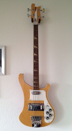 Aria, Rickenbacker 4003 Bass Mapleglo copy.