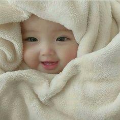 Trendy Baby Fashion Girl And Boy Cute Baby Boy, Cute Little Baby, Little Babies, Cute Kids, Baby Baby, Very Cute Baby Images, Cute Baby Girl Pictures, Cute Asian Babies, Korean Babies