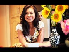 """▶ SAFIRE TV : """"How to make Sticky Rice with Chicken & Sausage"""" with Thuy Phan - YouTube"""