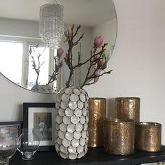evalevabo Blogg Vase, Home Decor, Decoration Home, Room Decor, Vases, Home Interior Design, Home Decoration, Interior Design, Jars