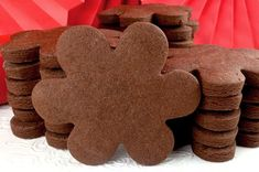 This is the The Best Chocolate Sugar Cookie Recipe you've ever tasted - so yummy and easy to make. And the dough holds its shape each and every time. Chocolate Sugar Cookie Recipe, Sugar Cookie Recipe Easy, Chocolate Roll, Ginger Bread Cookies Recipe, Best Sugar Cookies, Sweet Cookies, Easy Cookie Recipes, Best Chocolate, Homemade Chocolate