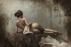 classical_nude_by_seredin.jpg (850×566)