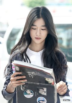 Korean Actresses, Korean Actors, Actors & Actresses, Glitch Wallpaper, Jaehyun, Female Models, Kpop Girls, Pretty Girls, Hair Beauty