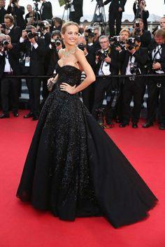 """Cannes 2014: """"Petra Nemcova posó con este espectacular vestido de alta costura de Zuhair Murad""""."""
