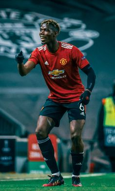 Manchester United Players, Paul Pogba, As Roma, Football Pictures, Football Wallpaper, Man United, Football Players, Ronaldo, Liverpool