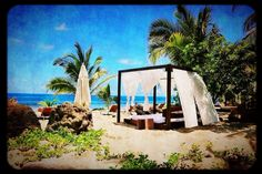 The #beach #bed that became my virtual office (#mobile #photography, using #Camera Awesome app)
