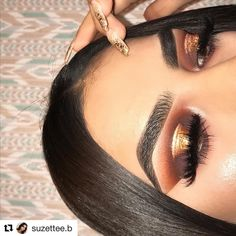 @suzettee.b wearing our Marie mink lashes bow gorgeous is this look make sure to follow her and check out her looks  #Repost @suzettee.b (@get_repost)  ・・・  back w another halo eye what's new ♀️  ----------------------------  BROWS:  @anastasiabeverlyhills @norvina #dipbrow in medium brown  @essence_cosmetics make me brow gel  EYES:  @shopvioletvoss hashtag palette  @morphebrushes 39A palette for dark brown  @artistcouture gold digger in center