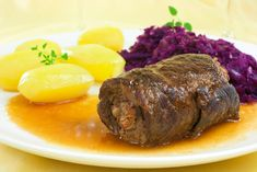 Rinderrouladen mit Rotkohl - Beef roulade with red cabbage