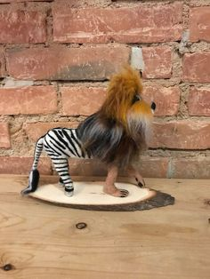 Felted Lion and Zebra. Unusual Gifts For Her, Quirky Gifts, Elephant Baby Shower Favors, Informal Dining Rooms, Coffee Table Makeover, Diy Holz, Zebras, Furniture Makeover, Needle Felting