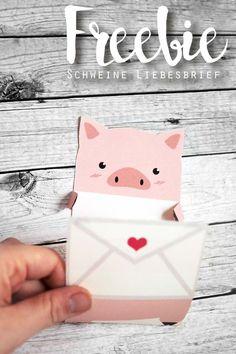 KuneCoco • Freebie • Schweine-Liebesbrief zum Ausdrucken Pig Crafts, Diy And Crafts, Paper Crafts, Lord Krishna Wallpapers, Cool Packaging, Letter A Crafts, Diy Origami, Pop Up Cards, Bookbinding