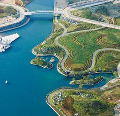 Conheça os projetos de três ecocidades que usam a tecnologia e o planejamento urbano para servir aos habitantes de agora e do futuro. Lições que as cidades brasileiras poderiam pôr em prática.