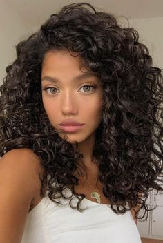 Haircuts For Curly Hair, Curly Hair Tips, Short Curly Hair, Curled Hairstyles, Girls With Curly Hair, Medium Curly Haircuts, Layered Curly Hair, Black Curly Hair, Curly Girl