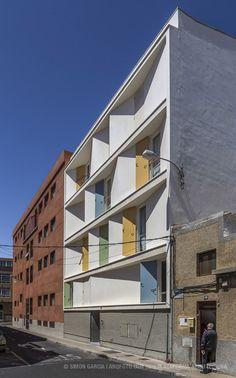 8 Casas Inscritas e 3 Pátios,© Simón García