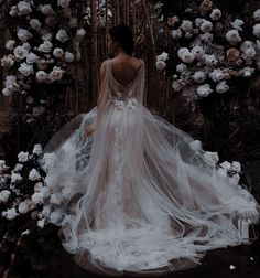 Queen Aesthetic, Princess Aesthetic, Book Aesthetic, Aesthetic Clothes, Ball Dresses, Ball Gowns, 21 Dresses, Pretty Dresses, Beautiful Dresses