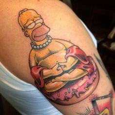 #stn #stntattoo #tatt #tattoo #tattooartist #oldschool #homer #simpsons #art #ink