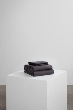Core Bedding Set includes key essentials for a five-star bed: duvet cover + fitted sheet + two pillowcases. Our luxurious bedding is woven in Portugal with 100% premium long staple cotton and has a 400 thread count. Melt into buttery soft sheets, crafted to last and guarantee a restful night. Beige Bedding Sets, Dark Grey Bedding, Striped Bedding, Green Bedding, White Bedding, Pillowcases, Grey Stripes, Luxury Bedding, Duvet Covers