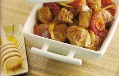 Recette sauté de viande au miel par Nadège : Une de mes recettes préférées inspirées du programme Weight Watchers : c'est trop bon. On peut le faire avec du filet mignon de porc ou de la volaille..Ingrédients : tomate, oignon, poivre, café, dinde