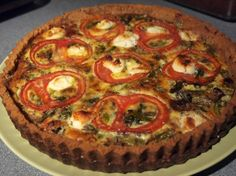 made this gf quiche for dinner tonight. used shrooms instead of tomatoes.