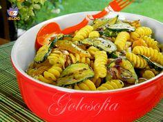 Insalata di pasta con verdure grigliate e zafferano, primo gustosissimo e fresco
