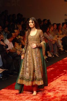 Indian/Pakistani Fashion http://www.slideshare.net/Fashioncentral/fashioncentral-volume-9th